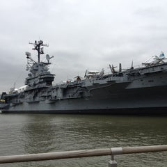 Photo taken at Intrepid Sea, Air & Space Museum by Vinnie L. on 12/26/2012