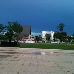 Photo taken at Lapangan Dwi Warna by Rasyid on 9/7/2013