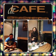 Photo taken at dr.CAFE COFFEE | د. كيف by Marziano Z. on 7/12/2013