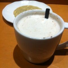 Photo taken at Starbucks Coffee by Ramón C. on 1/6/2013