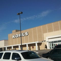 Photo taken at Kohl's by Moon C. on 1/5/2013