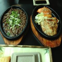 Photo taken at Niwa Sushi by Fernanda C. on 4/5/2013