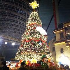 Photo taken at 롯데월드 가든스테이지 (Lotte World Garden Stage) by DoHoon K. on 12/24/2012