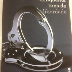 Photo taken at Livraria Saraiva by Rafaela P. on 11/10/2012