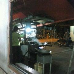 Photo taken at Nasi Goreng Gondrong by Rafi A. on 3/10/2013