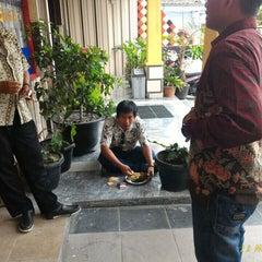 Photo taken at RM Padang Duta Minang by Rahmat Alfi H. on 11/11/2015