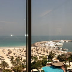 Photo taken at Jumeirah Beach Hotel فندق جميرا بيتش by 👼👼👼 on 6/27/2013