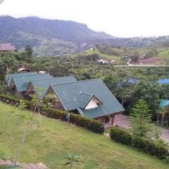 Photo taken at ภูลู่ลมรีสอร์ท (Bhuloolom Resort) by สุทธิภัทร ช. on 8/24/2013