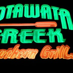 Photo taken at Lotawata Creek Southern Grill by Mike D. on 11/10/2012