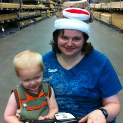 Photo taken at Lowe's Home Improvement by Beverly L. on 11/25/2012