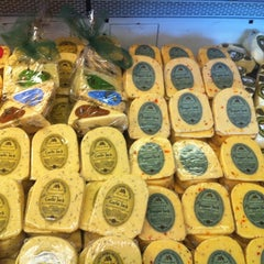 Photo taken at Sonoma Cheese Factory by P R. on 11/10/2012