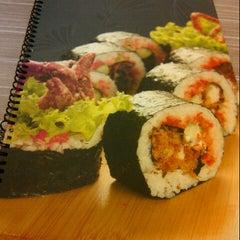 Photo taken at Octopus Sushi Bar & Thai by tbyzura b. on 1/23/2013