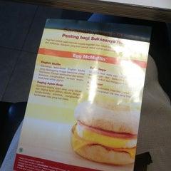 Photo taken at McDonald's by Changciya (. on 3/18/2013