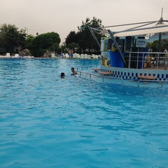Photo taken at Aqua Marine by EcEm 1. on 5/29/2013