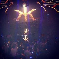 Photo taken at Hakkasan Las Vegas Nightclub by Ricardo D. on 5/20/2013