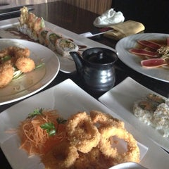 Photo taken at Samurai Japanese Cuisine Sushi Bar & Grill by Anastasia on 4/24/2014