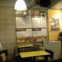 Photo taken at Yellow Cab Pizza Co. by Sherill V. on 9/8/2013