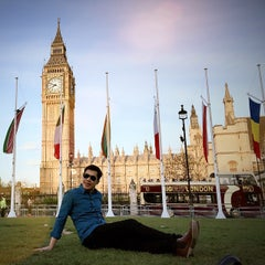 Photo taken at Roux at Parliament Square by Veerapong N. on 5/10/2015
