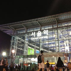 Photo taken at 서울역 (Seoul Station) by Bumhee L. on 6/21/2013
