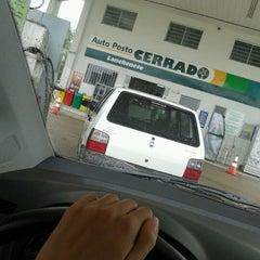 Photo taken at Auto Posto Cerrado by Kátia Cristina T. on 1/14/2013