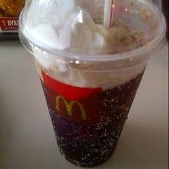 Photo taken at McDonald's by Yana R. on 3/21/2013