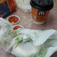 Photo taken at McDonald's by Liza A. on 7/31/2015