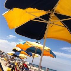 Photo taken at Παραλία Μαρμαρίου (Marmari Beach) by Nükhet G. on 9/26/2015