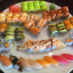 Photo taken at Sushi X: All You Can Eat Sushi by Kenneth D. on 4/11/2013