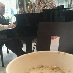 Photo taken at Starbucks by Tamar S. on 12/21/2012