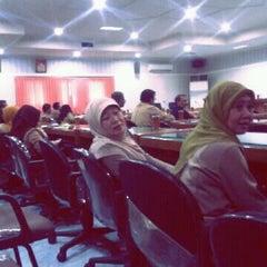 Photo taken at Dinas Pertanian Provinsi Jawa Timur by Arie Dwi A. on 2/19/2013
