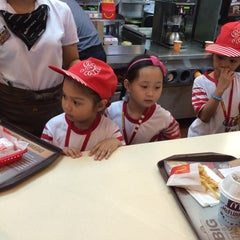 Photo taken at McDonald's by Francine Nicole S. on 4/21/2015