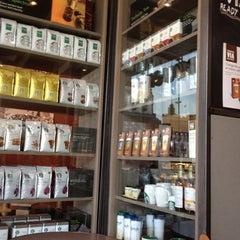 Photo taken at Starbucks by Simon M. on 7/7/2013
