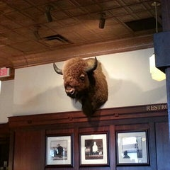 Photo taken at Ted's Montana Grill by Jocelyn B. on 11/25/2012