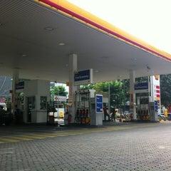 Photo taken at SPBU Shell by Budi H. on 12/21/2012