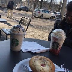 Photo taken at Starbucks by Ümran C. on 3/18/2016