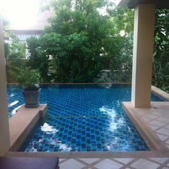 Photo taken at Crown Lanta Resort & Spa by Review by Biere on 10/27/2012