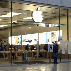 Photo taken at Apple Store, Walnut Street by Beth 3. on 3/25/2013