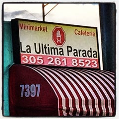 Photo taken at La Ultima Parada by Juan D. on 1/31/2014
