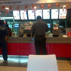 Photo taken at KFC by Fiqa R. on 2/13/2014