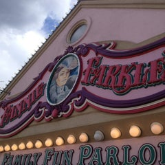 Photo taken at Fannie Farkle's by Daymond (Bklyn) W. on 2/15/2013