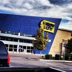 Photo taken at Best Buy by Joel A. on 9/12/2013