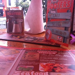 Photo taken at Hooters by Stephania C. on 3/13/2013