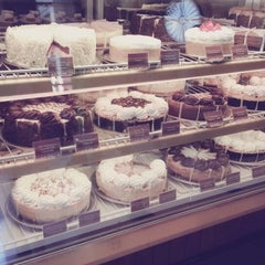 Photo taken at The Cheesecake Factory by Min Jung K. on 6/13/2013