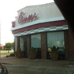 Photo taken at Chick-fil-A by Mack M. on 6/30/2012