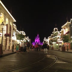 Photo taken at Main Street, U.S.A. by Peri on 3/30/2013