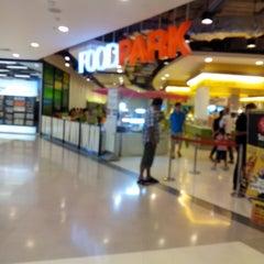 Photo taken at FoodPark @ Central Plaza Phitsanulok by Fangky J. on 8/31/2013