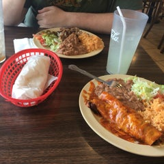 Photo taken at Lito's Mexican Food by Jeung Hwa D. on 10/20/2015