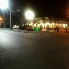 Photo taken at Formaggio Pizzaria by Karla R. on 2/2/2013