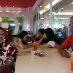 Photo taken at Solaria by Mesly P. on 1/5/2014