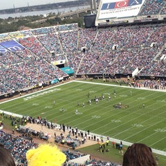Photo taken at EverBank Field by Thuy N. on 12/23/2012